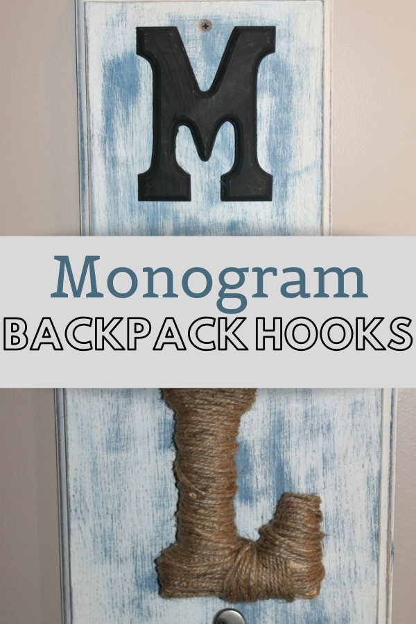 These monogram backpack hooks are a great way to keep kids organized for school! #homeorganization #diy #backtoschool